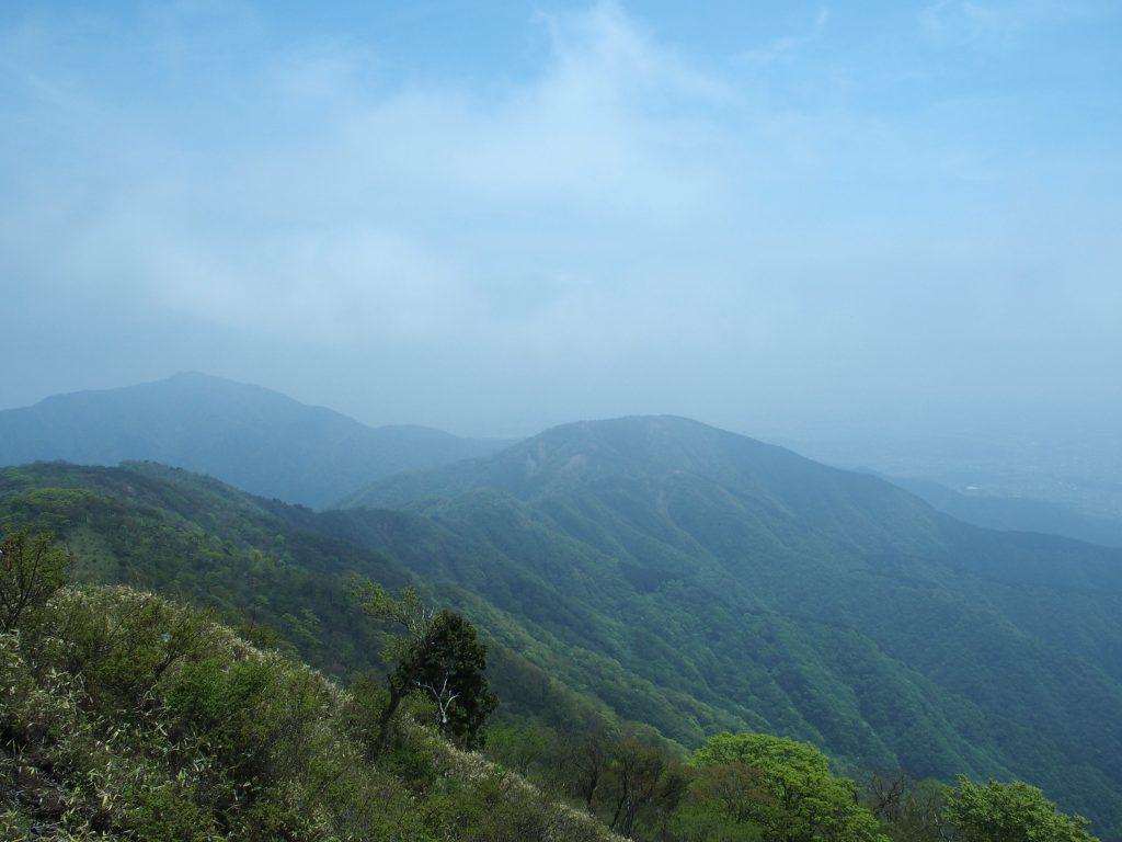 大山と三ノ塔、表尾根
