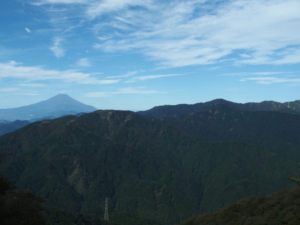 丹沢表尾根と富士山
