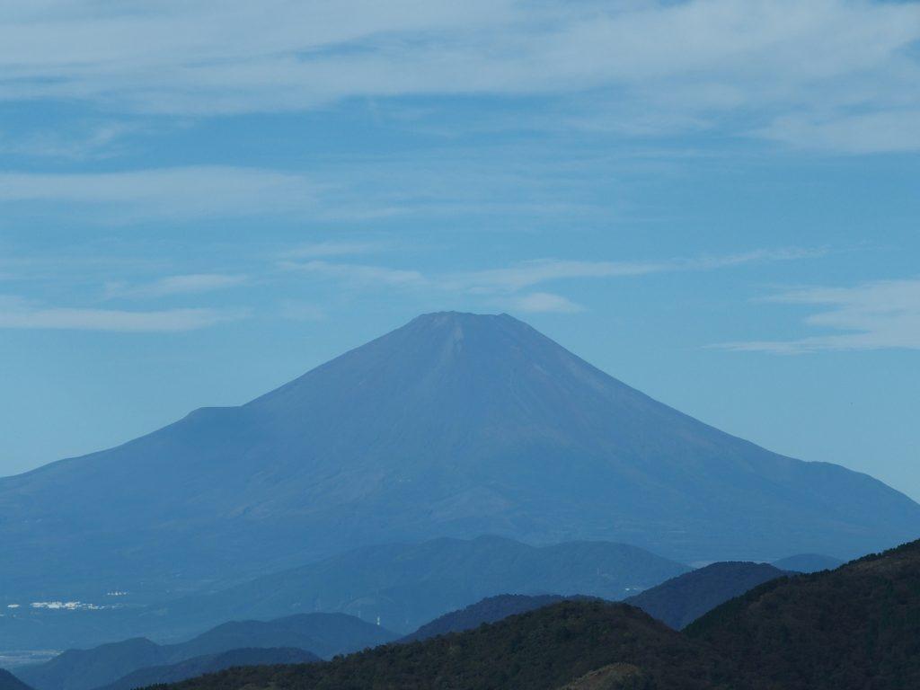 雪のない季節の富士山