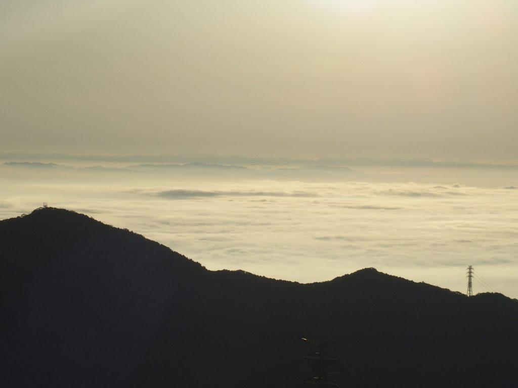 江の島は雲海に隠れてしまった