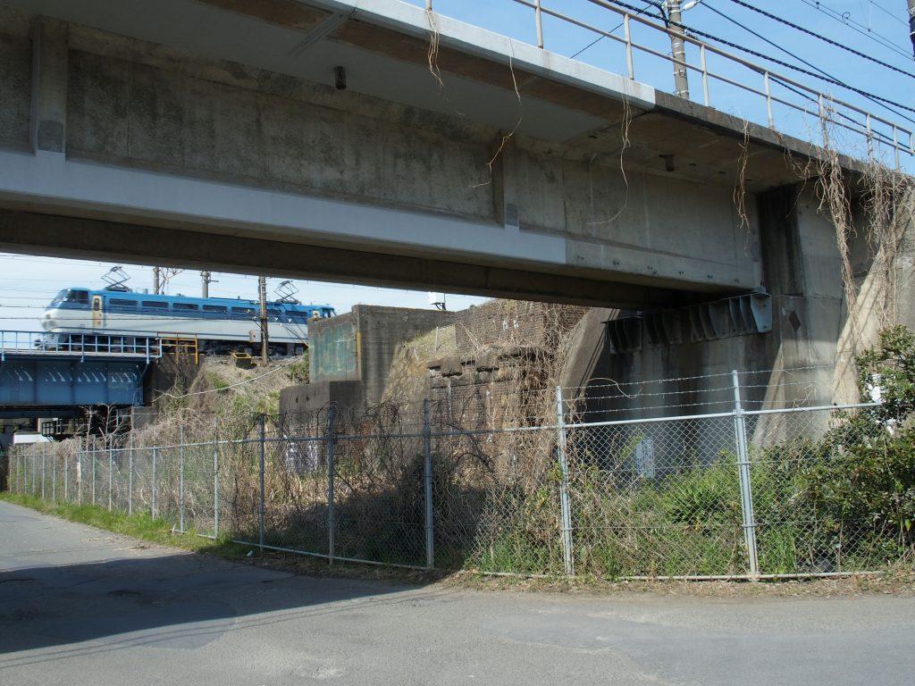 茅ヶ崎側橋台