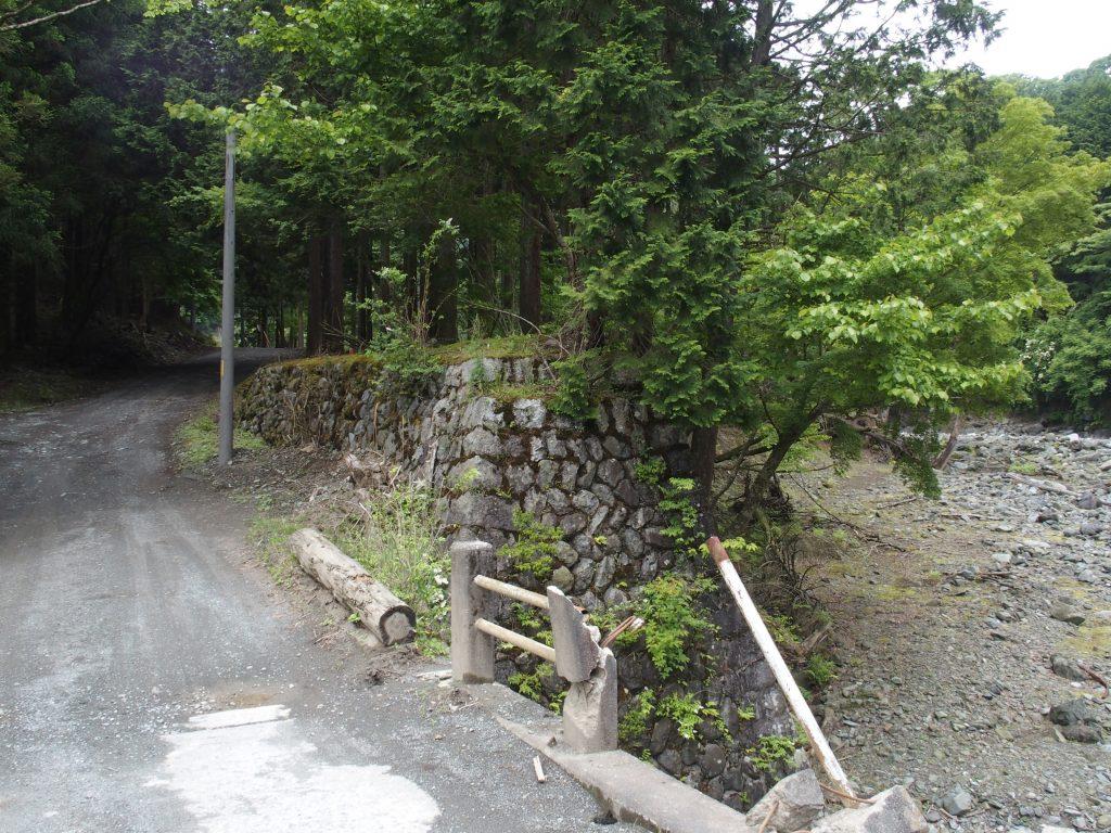 趣ある森林鉄道の橋台跡