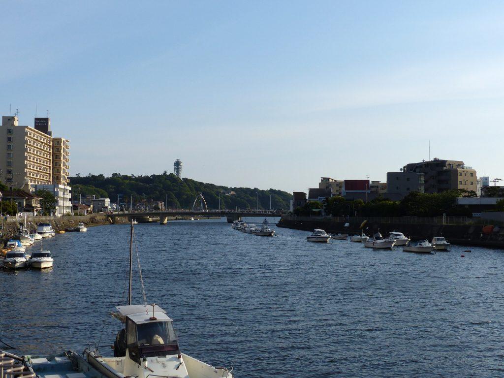 江の島と河口