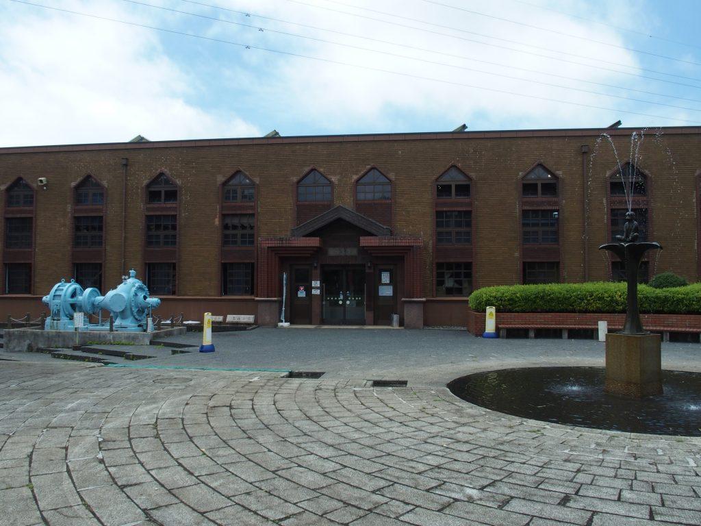 水道記念館の前庭