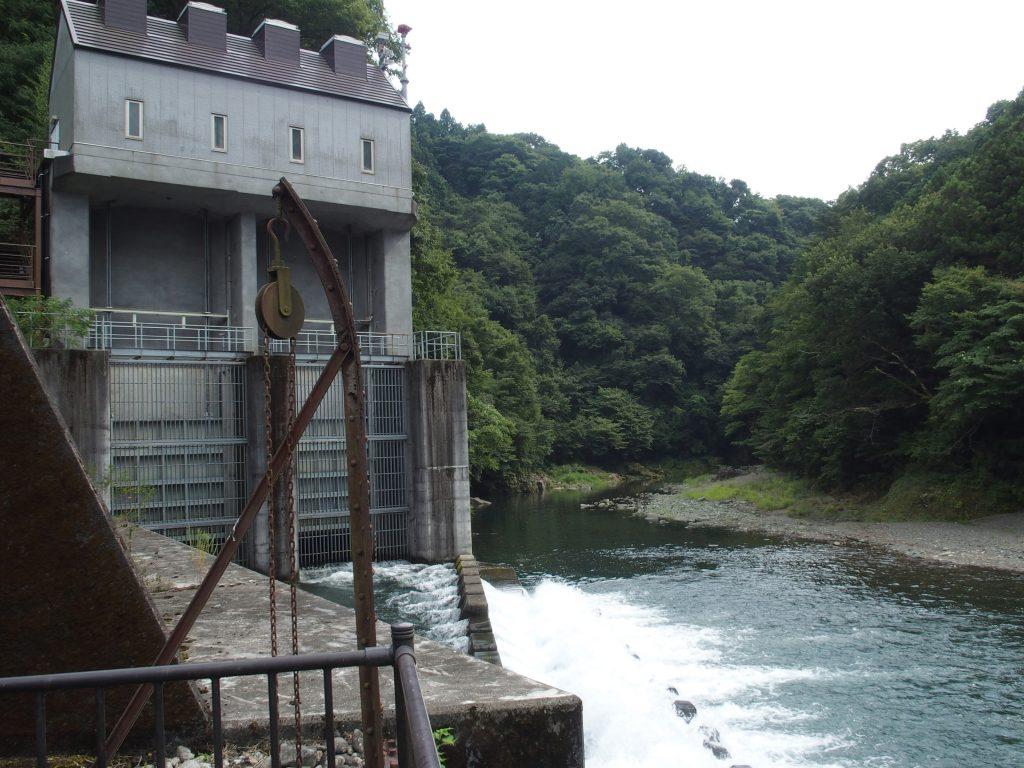 宮ヶ瀬ダムからの水路