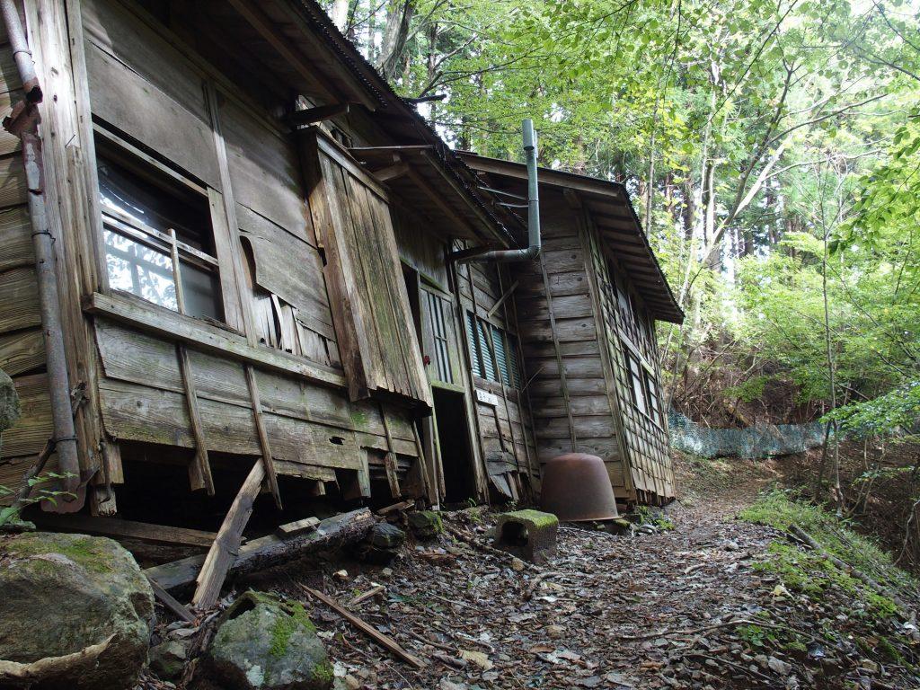 ウワサの造林小屋