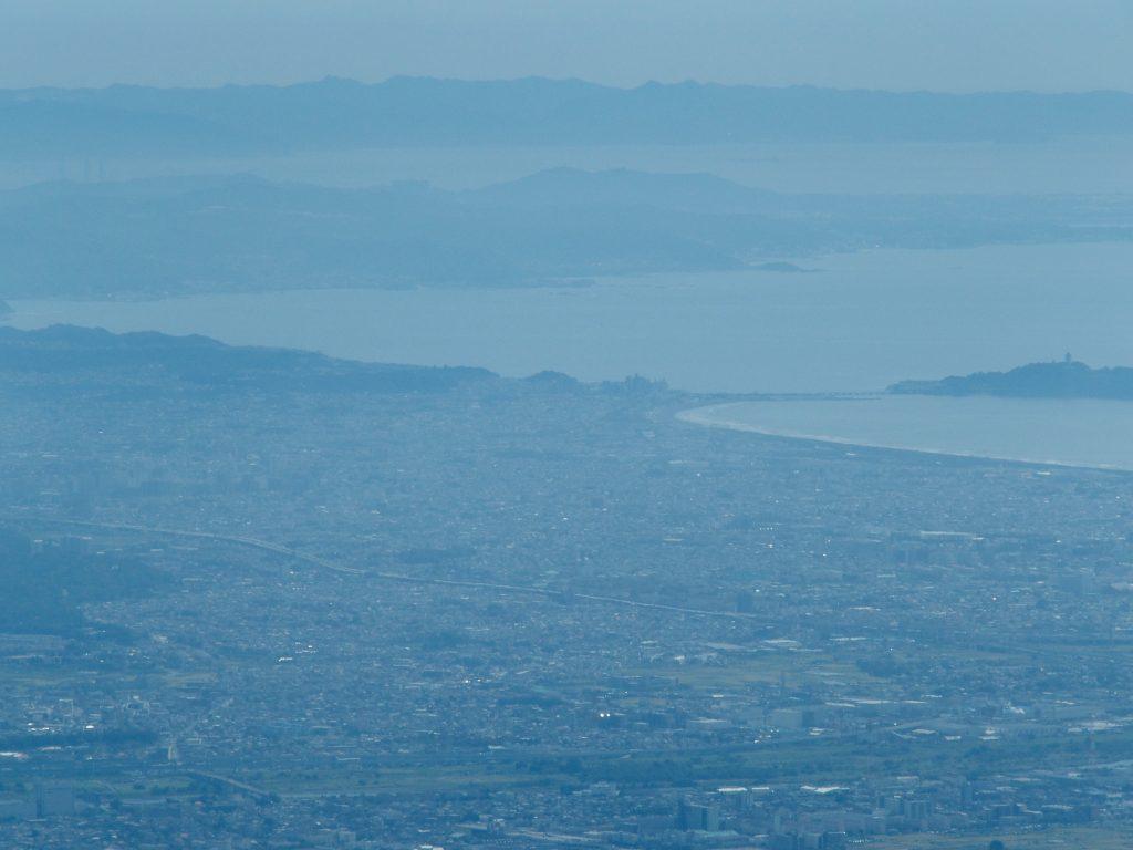 相模川、江の島