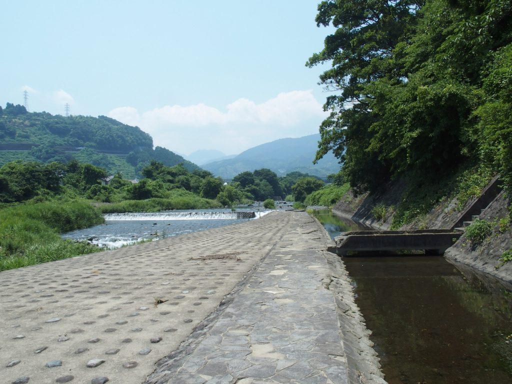 取入口と堰堤