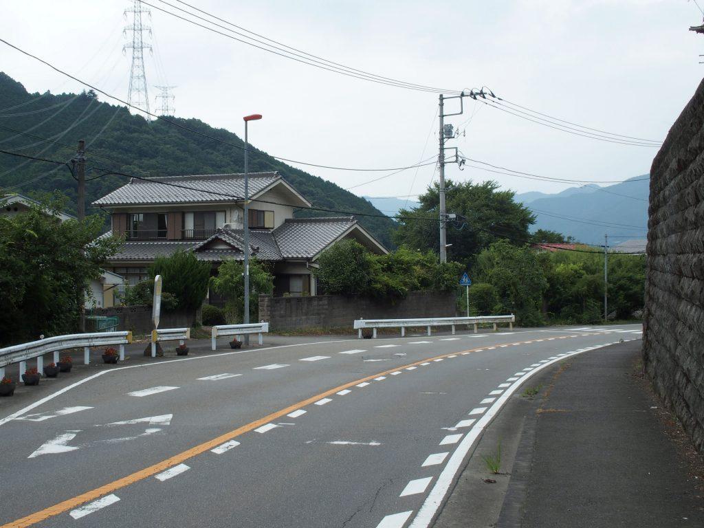 バス停の前後