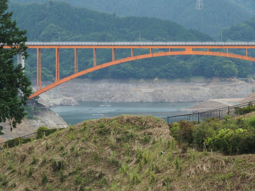虹の大橋橋台