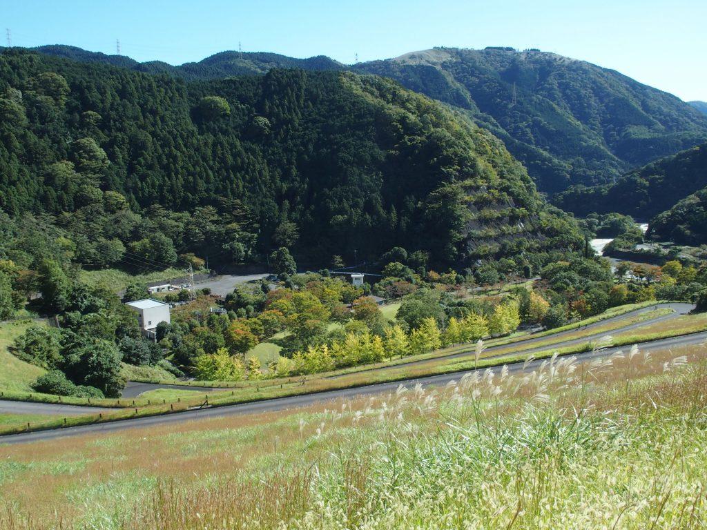 ダム広場に隣接する田ノ入発電所