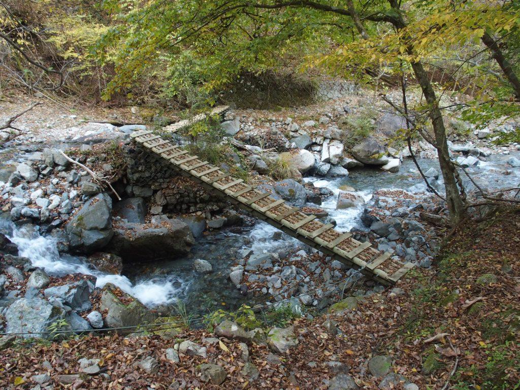 2連の木橋