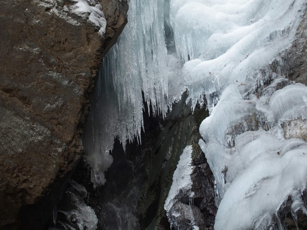中段は氷柱